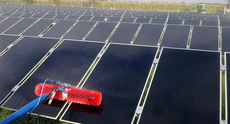 Spalarea panourilor solare